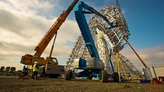 The Kelpies - Time lapse video of their construction.