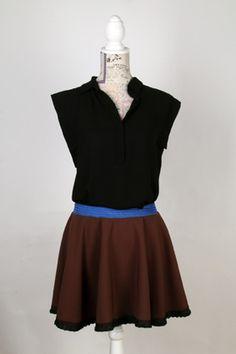 Model Patrícia en una combinació que sempre m'ha agradat, combinant marró i blau.