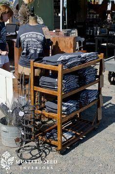 outdoor t-shirt vendor display ideas Vendor Displays, Vendor Booth, Craft Fair Displays, Market Displays, Merchandising Displays, Display Ideas, Shirt Displays, Booth Ideas, Booth Displays