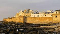 """Si Essaouira est aussi appelée """"la Saint-Malo marocaine"""" c'est que ses remparts ne sont pas sans rappeler ceux de la cité corsaire française."""