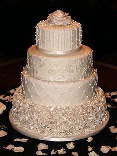 Classic Ivory Winter Wedding Cake - My wedding ideas