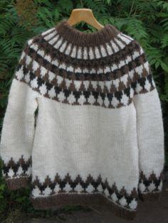 341-islanninvillapaita Crochet Poncho, Shawl, Arts And Crafts, Wool, Knitting, Sweaters, Outfits, Jumpers, Fashion