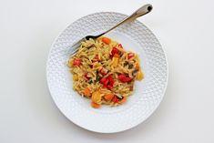 Κριθαρότο με Λαχανικά Pasta Salad, Risotto, Food Porn, Cooking, Ethnic Recipes, Crab Pasta Salad, Cucina, Kochen, Cuisine