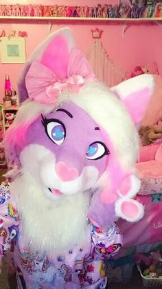 I usually don't pin fursuits but this one is beautifully made and bright and I like it :D