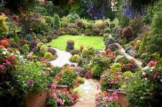 OddFuttos, When The Photos Speak: Incredible Four Seasons Garden Photos