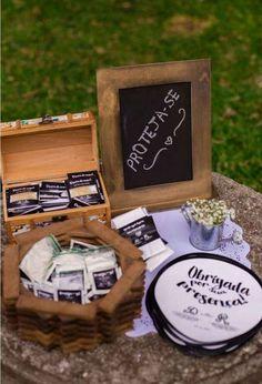 Como gastei menos de 5 mil reais no casamento dos meus sonhos! Diy Wedding, Weeding, Country, Wedding Things, Dream Wedding, Wedding Budgeting, Weddings, Grass, Weed Control