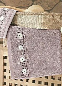 Learn to Crochet – Crochet Wave Fan Edging. Crochet Potholder Patterns, Crochet Borders, Crochet Motif, Crochet Doilies, Crochet Stitches, Crochet Edgings, Crochet Towel, Crochet Fabric, Diy Crochet