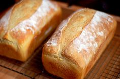 A whole site with several no knead bread recipes.  Yum!