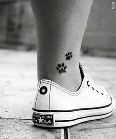 Small Dog Tattoos, Ankle Tattoo Small, Mini Tattoos, Tattoos For Dog Lovers, Finger Tattoos, Body Art Tattoos, Tatoos, Piercing Tattoo, Piercings
