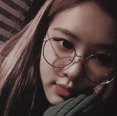 Memes Do Blackpink, Otp, Cute Rose, Rose Icon, Rose Park, Kim Jisoo, Park Chaeyoung, Yg Entertainment, Ulzzang Girl