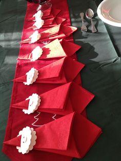Una super sencilla idea para decorar la mesa     ... y como se pueden dar cuenta tuvimos navidad con sol :-)            para los mayores u...