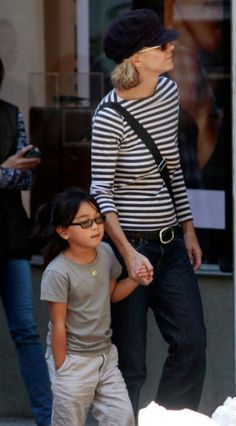 Meg Ryan with daughter Daisy True (I've loved that name combo ever since I first heard it nearly 10 years ago), July 2011