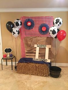 55 Ideas Party Kids Table Photo Booths For 2019 Birthday 60, Rodeo Birthday Parties, Rodeo Party, Cowboy Theme Party, Farm Party, Birthday Party Themes, Barnyard Party, Birthday Ideas, Country Birthday Party