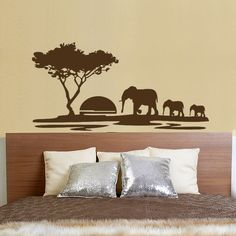 A mintán az afrikai szavannát láthajuk, óriási lemenő nappal, jellemző lombú fájával és elefántokkal. #faltetoválás#falmatrica#lakásdekoráció#lakásfelújítás#falmatricahálószobába#hálószobafelújítása#hálószobadekorálása#ágyvégdekor#szavannaminta#szavannamatrica#szavannasziluett#elefántfalmatrica Home Decor, Decoration Home, Room Decor, Home Interior Design, Home Decoration, Interior Design