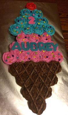 Ideas Birthday Cupcakes Design Pull Apart For 2019 Cupcake Torte, Cupcake Cake Designs, Cupcake Cookies, Cupcake Ideas, Cupcakes Design, Pull Apart Cupcake Cake, Pull Apart Cake, Cute Cupcakes, Birthday Cupcakes