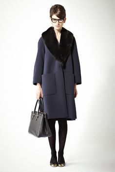 2013 Lookbook vol.11 Diana Vreeland vol.1 | Deuxieme Classe ファーカラーコート [J&M DAVIDSON] ¥136,500 no.13020510563430 入荷済 メガネ [ELIZABETH AND JAMES] ¥24,150 no.13090510022410 バッグ・SIGRID [J&M DAVIDSON] ¥157,500 no.13092510564630 入荷済 バレエシューズ [SERGIO ROSSI] ¥68,250 no.13093510549630