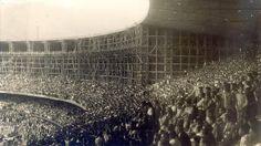 """nicipal do Rio, apelidado pela imprensa ufanista de """"colosso do Derby"""", mal começava a herdar da avenida onde se erguia o nome de Maracanã q..."""