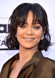 Best Beauty Looks at the Billboard Music Awards 2016 -- Wavy bob: Rihanna | allure.com