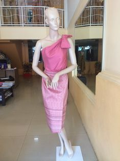 Thai Dress, Beach Houses, Phuket, Traditional Dresses, Cambodia, Silk Dress, Laos, What To Wear, Formal Dresses