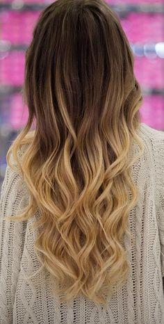 Un balayage ombré sur cheveux très longs