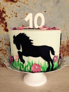 Pferde Torte! Horse cake! More