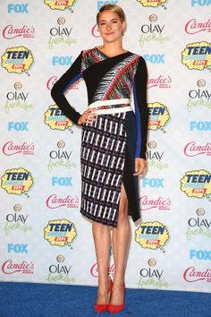 shailene woodley in peter pilotto.