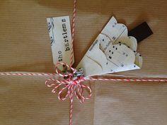 *Jingle all the way*. Christmas wrapping idea.