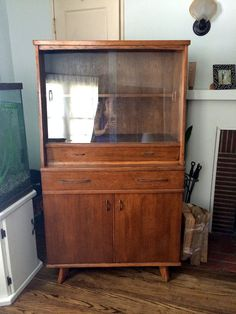 Attirant Mid Century Hutch China Cabinet Credenza Vintage In Burbank, California ~  Apartment Therapy Classifieds