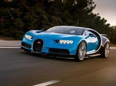 Au menu de cette Bugatti Chiron, 1500 chevaux, moteur W16 d'une cylindrée de 8,0 litres, un 0 à 100 km/h annoncé en moins de 2,5 secondes...
