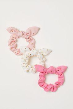 H&M Scrunchies - Light pink - Kids Girls Accessories, Fashion Accessories, Pink Scrunchies, Accesorios Casual, Pink Kids, Crochet Patterns For Beginners, H&m Online, Craft Stick Crafts, Hair Ties