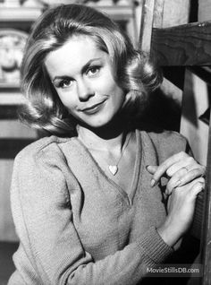 Bewitched promo shot of Elizabeth Montgomery