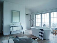 Gently curved shapes form the basis of DURAVIT's new Cape Cod bathroom collection.