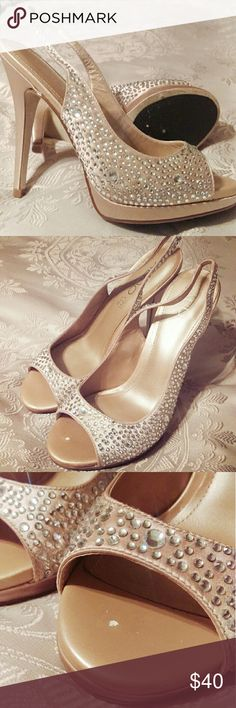 Aldo sparkle slingback open toe nude heel Aldo sparkle slingback nude heel, beautiful for a fancy occasion, 7.5, 3.5in heel, worn once, tiny speck of sole missing from left heel when insole removed, toe opening large Aldo Shoes Heels