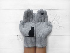 Hey, I found this really awesome Etsy listing at https://www.etsy.com/listing/199104868/christmas-holiday-gift-cat-gloves-cats