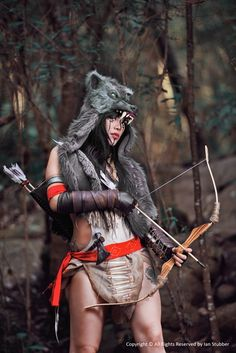 Ratohnhaketon from Assassins Creed III Cosplay by Raquel Sparrow Assassin's Creed Cosplay, Epic Cosplay, Cosplay Girls, Cosplay Costumes, Epic Costumes, Skyrim Cosplay, Cosplay Ideas, Wolf, Viking Warrior
