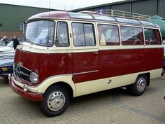 Hello Mercedes 319, good-bye VW bus
