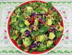Reteta Salata Dietetica - poza 2 Halloween, Cobb Salad, Sprouts, Broccoli, Avocado, Vegetables, Kitchen, Recipes, Food