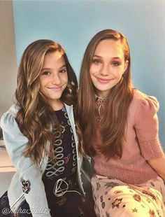 Added by #hahah0ll13 #MackenzieZiegler and #MaddieZiegler promoting Clean & Clear in New York