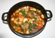 Liha-juurespata on helppo syysresepti Sriracha Recipes, Candied Bacon, Kung Pao Chicken, Paella, Beef, Ethnic Recipes, Food, Food Food, Meat