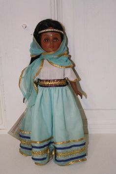 Effanbee 1975 India sleepy eye doll with tag. $25 #1176 Brown eyes, black hair