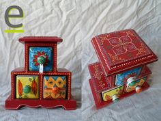Portaspezie in legno di mango, colorato e decorato sui lati. Struttura a piramide, con tre cassetti in ceramica decorata a mano.  http://easy-online.it/it/shop/portaspezie/porta-spezie-nr-38/