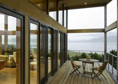Oregon Coast Beach Weekend Retreat by Boora Architects: