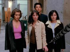 Image of season 1 for fans of Charmed 11293790 Phoebe Charmed, Serie Charmed, Charmed Tv Show, Charmed Sisters, Charmed Season 1, Phoebe And Cole, Movie Inspired Outfits, Beautiful Witch, Shannen Doherty