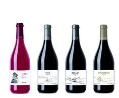 Grandes vinos guardan estas nuevas botellas y etiquetas, ya os iremos contando más de cada uno de ellos. Red Wine, Alcoholic Drinks, 21st, Bottle, Glass, Php, Label, Twitter, Silver
