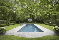 Swimming Pools: Discover 27 Winning Ideas for Rectangular Designs Formal English Garden Pool Design – Seeking an Audible Sigh … Swimming Pool Landscaping, Swimming Pool Designs, Backyard Landscaping, Backyard Pools, Landscaping Ideas, Indoor Pools, Outdoor Swimming Pool, Piscina Rectangular, Rectangle Pool