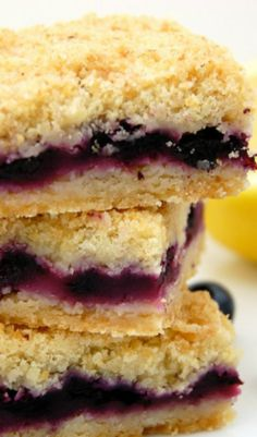 Blueberry Crumble Bars | best dessert bars, berry cake, berry recipes