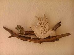 Ceramic Wall Art, Ceramic Birds, Clay Projects, Projects To Try, White Clay, Air Dry Clay, Christian Art, Clay Creations, Pottery Art