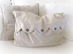 Katies Rose Cottage: Ruffled Muslin Pillow Tutorial