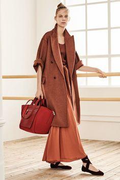 a3d02eb5e7665 Modest Fashion Selection From Max Mara Pre Fall 2019