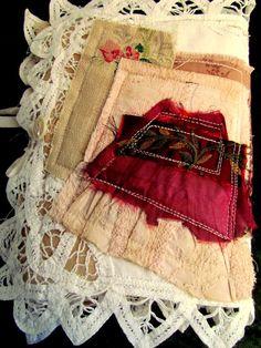 Suziqu's Threadworks: Vintage Lace Needlebooks